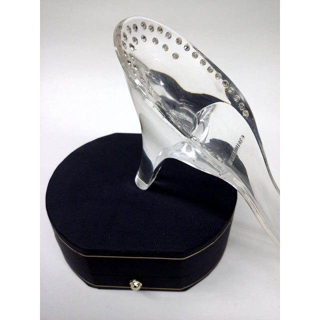 Circa 60 Louis Halpern Lucite High Heel Shoehorn For Sale - Image 5 of 8