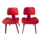 Image of Pair of Eames® Molded Plywood Dining Chairs - Original Pre-Catalysed Lacquer Finish (Discontinued)! For Sale