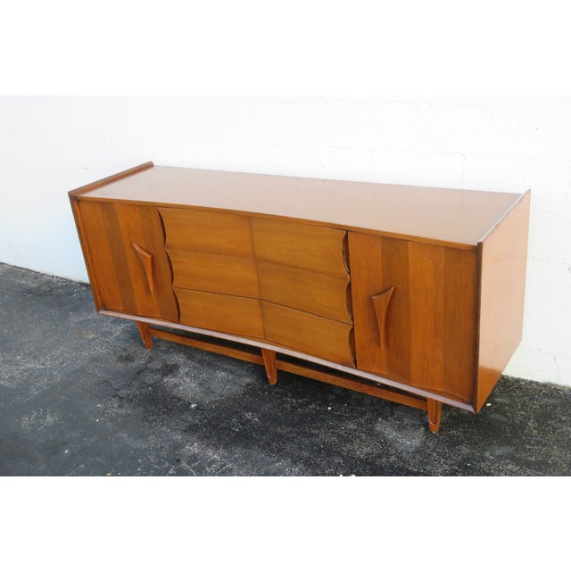 Mid Century Modern Long Dresser Sideboard Tv Media Console 2714 For Sale In Miami - Image 6 of 11