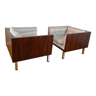 Beautiful Pair of Danish Modern Rosewood Cube Chairs by Jydsk Mobelvaerk For Sale