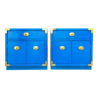 Vintage Thomasville Campaign Style Nightstands - a Pair For Sale