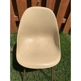 Pair of Mid-Century Modern Molded Plastic Tan Chairs by Shamrock Plastic Preview