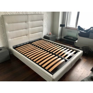 Sayonara Leather Bed Frame by Italian Designer Gamma Preview