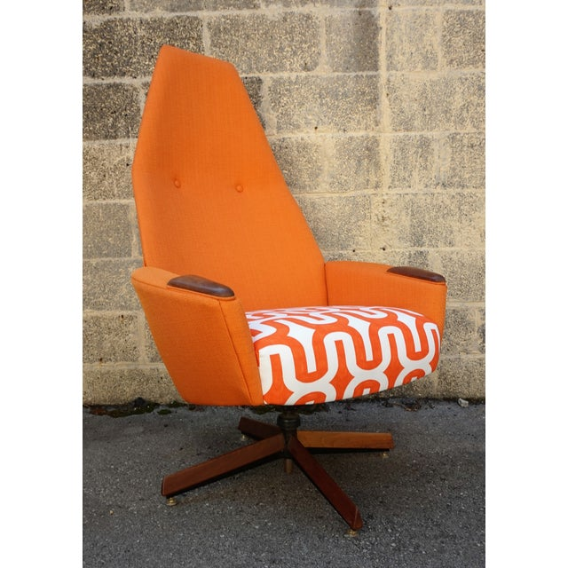Adrian Pearsall Swivel Chair & Ottoman For Sale In New York - Image 6 of 10