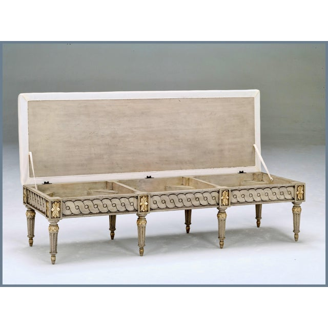 Swedish Gustavian large storage bench for foot of bed, side of dining table or as room divider. Model Sc0029 Seat opens...