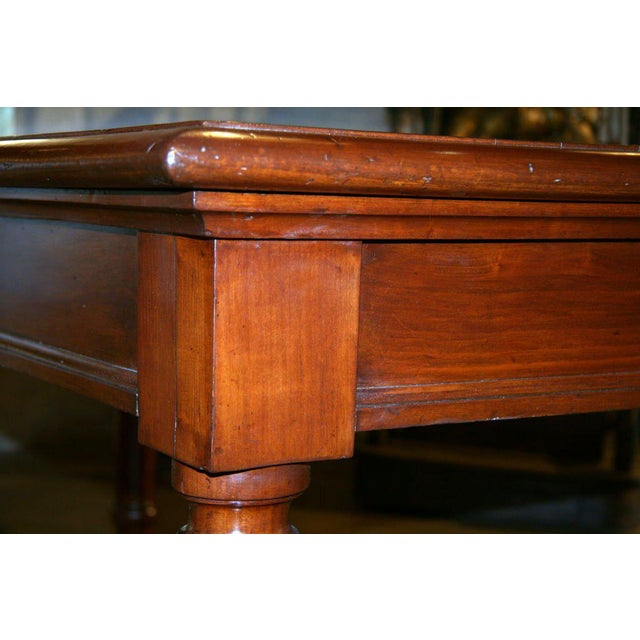 Italian Table in cherry wood. 1920s For Sale In Los Angeles - Image 6 of 9