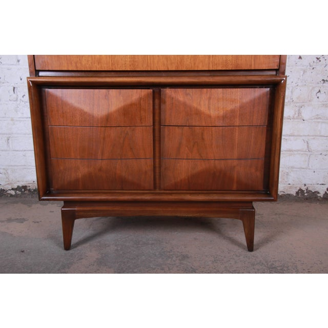 1960s Mid-Century Modern Sculpted Walnut Diamond Front Highboy Dresser by United For Sale - Image 5 of 13