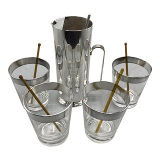 1960 Silver Plated Cocktail Mixing Trophy & Dorothy Thorpe Lowball Glasses and Glass Swizzle Sticks - Set of 10 For Sale