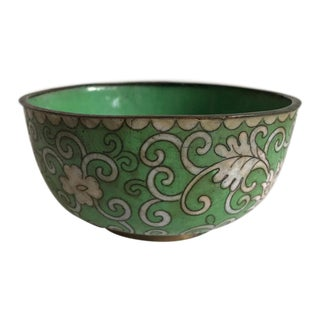 Antique Chinese Cloisonne Bowl in Green and White - Marked China in Red. For Sale