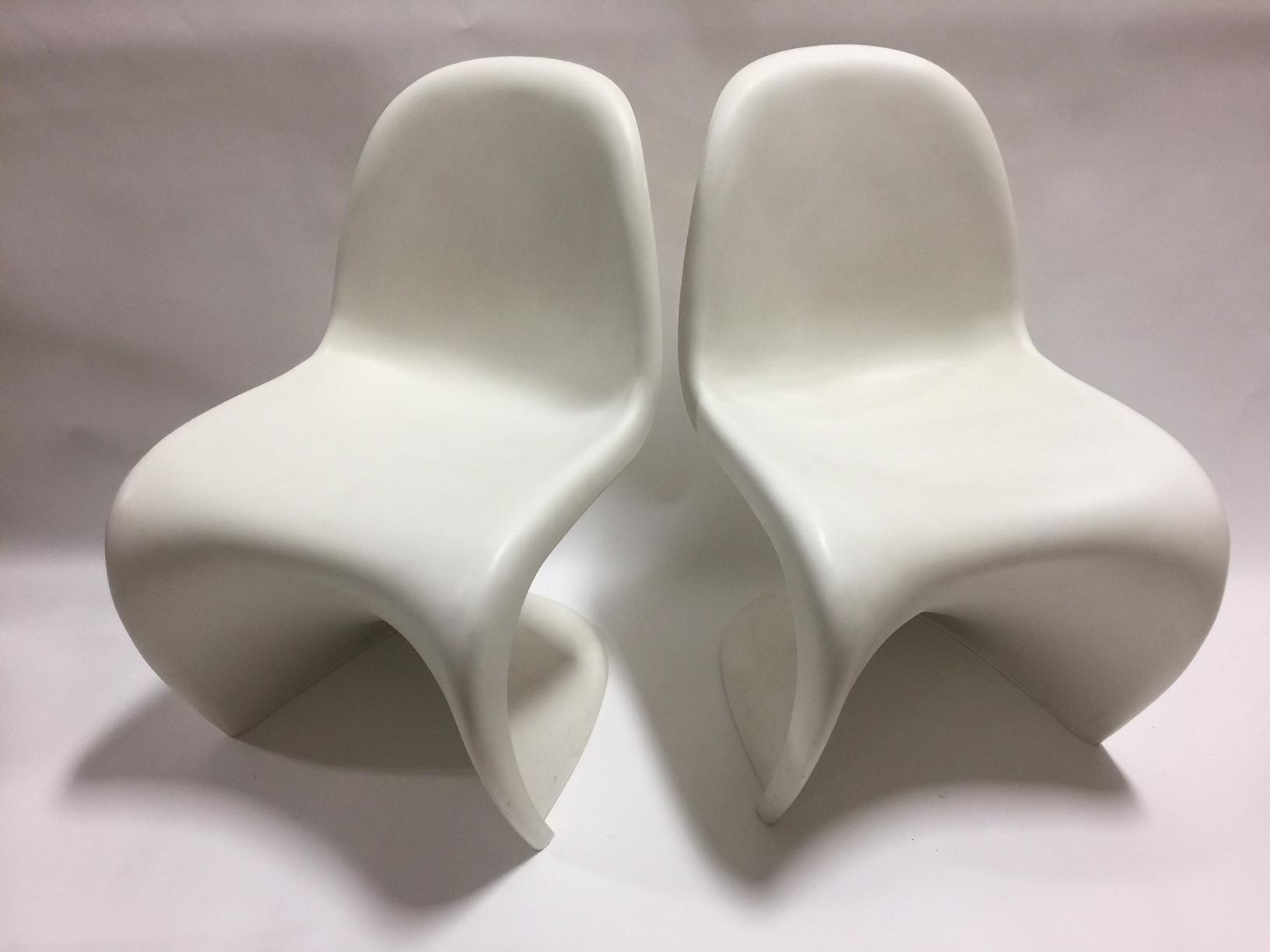 Plastic 4 Vitra Panton S Chairs In White   Set Of 4 For Sale   Image