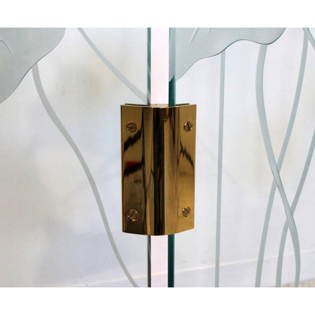 1960s Mid-Century Modern Etched Glass & Brass 3 Panel Room Divider Screen For Sale - Image 4 of 9