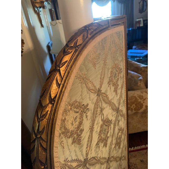 French Giltwood Mirrored and Silk Brocade3-Panel Folding Screen For Sale In New York - Image 6 of 7