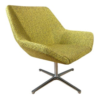 Eoos Designed Cahoots Relax Chair for Keilhauer in Chartreuse C For Sale
