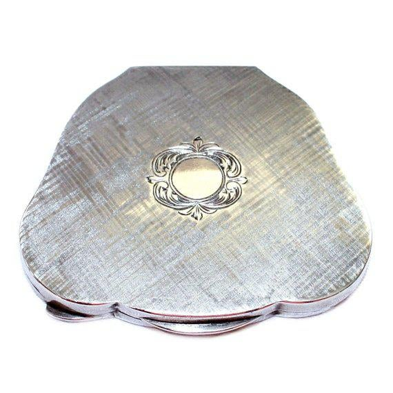 1940s Vintage C.1940's Italian 800 Silver Compact For Sale - Image 5 of 5
