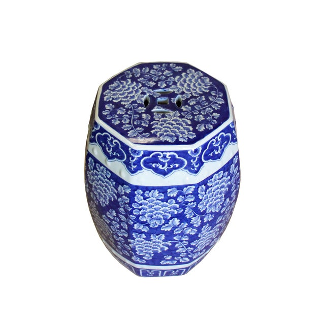Chinese Chinese Blue & White Porcelain Floral Theme Octagon Stool Table For Sale - Image 3 of 8