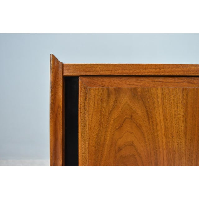 Mid-Century Nightstands by Dillingham - a Pair For Sale In Orlando - Image 6 of 13