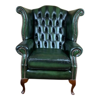Early 20th Century Mid-Century English Leather Chesterfield Wingback Chair, Green For Sale