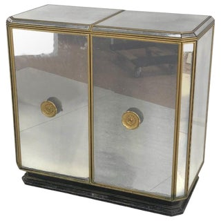 Hollywood Regency Midcentury Antiqued Mirrored Two-Door Bar or Serving Cabinet For Sale