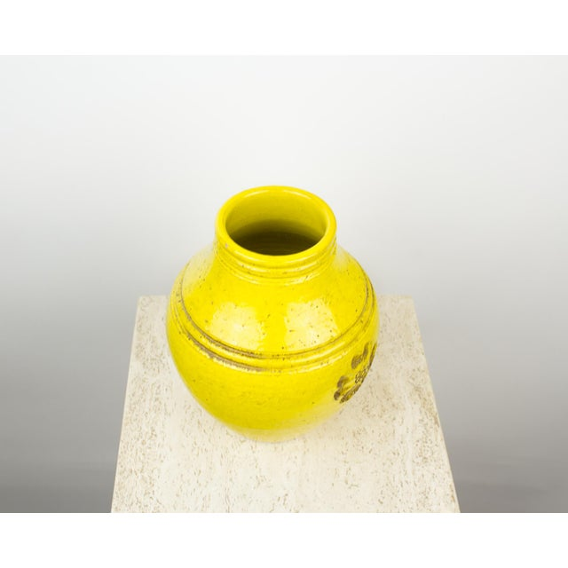 Bitossi for Rosenthal Netter Yellow Pottery Vase For Sale In New York - Image 6 of 9