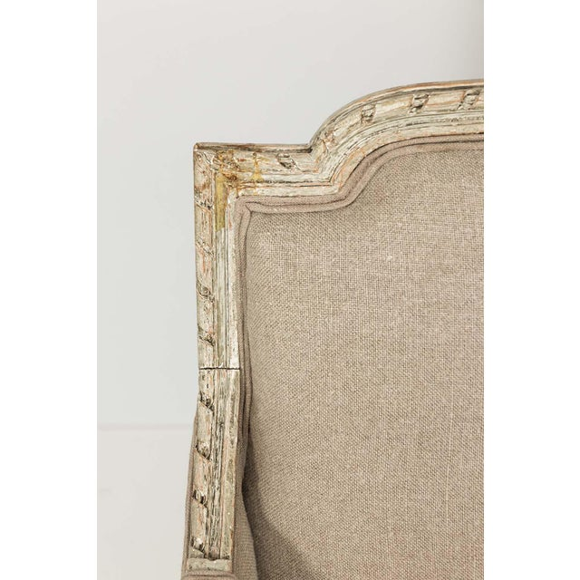 Mid 19th Century French Louis XVI Style Marquise Loveseat in Natural Linen For Sale - Image 5 of 13