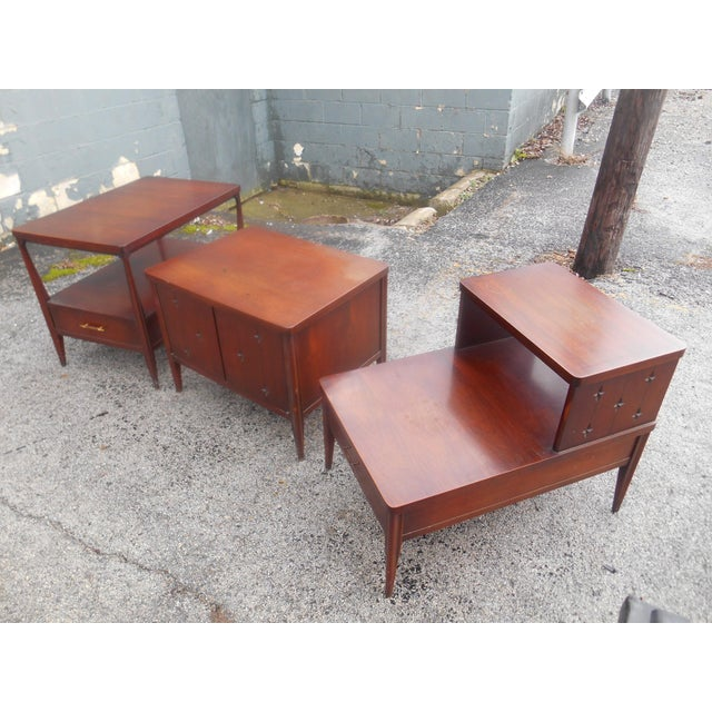 Mid-Century Modern 1960s Mid-Century Modern Broyhill Saga Living Room End Tables - Set of 3 For Sale - Image 3 of 5