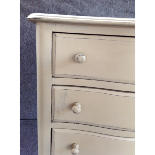 Distressed Shabby Chic 5-Drawer Chest - Image 4 of 7