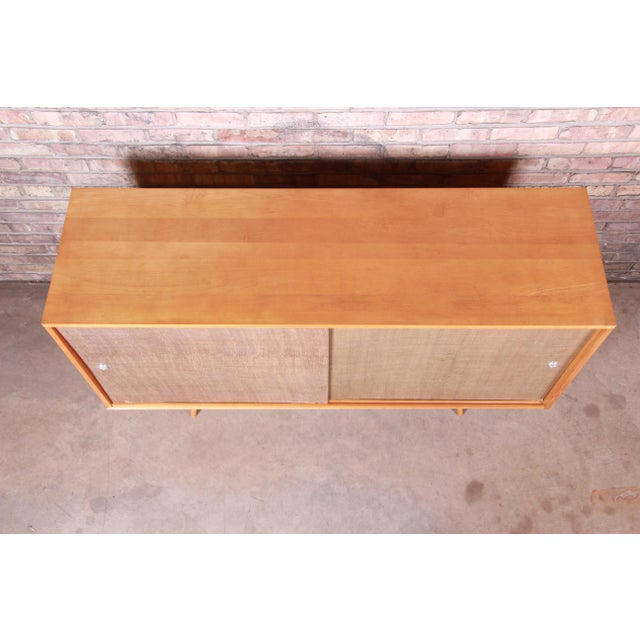 Paul McCobb Planner Group Mid-Century Modern Solid Maple Sideboard Credenza, 1950s For Sale In South Bend - Image 6 of 13