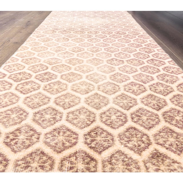 1960s Honeycomb Neutral Ivory Turkish Hand-Knotted Runner For Sale - Image 4 of 10