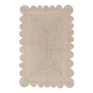 Natural White Jute Scallop Hand Made Rug 4'x6' For Sale