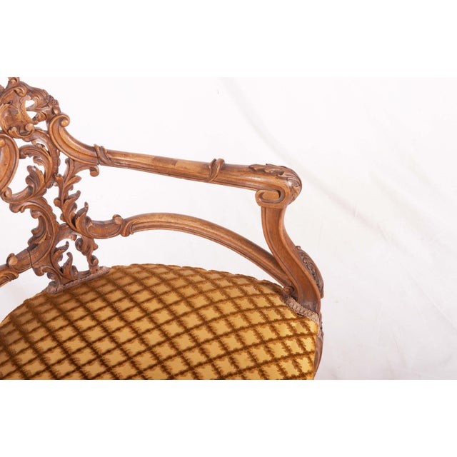 Mid 19th Century Carved Louis XV walnut corner chair, France, 1870 For Sale - Image 5 of 11