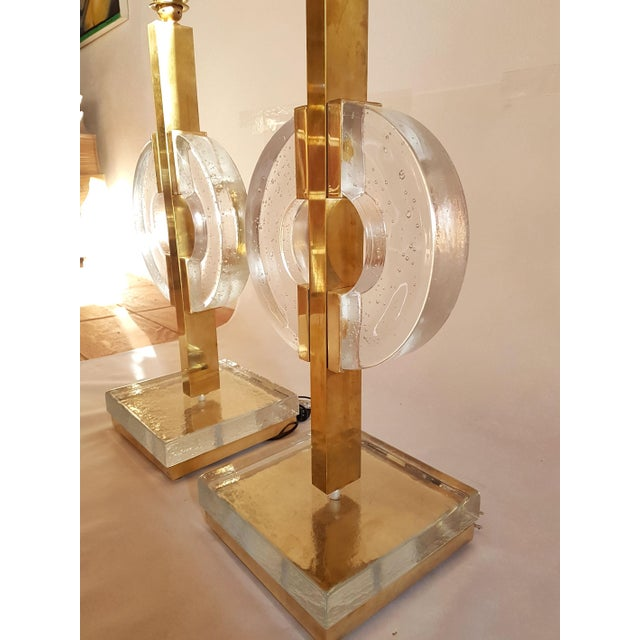 Art Deco Mid Century Modern Clear Glass/Brass Italian Table Lamps- A Pair For Sale - Image 3 of 10