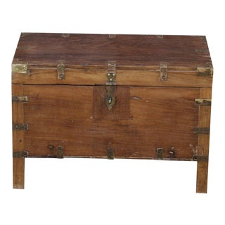 Early 20th Century Wooden Campaign Trunk For Sale
