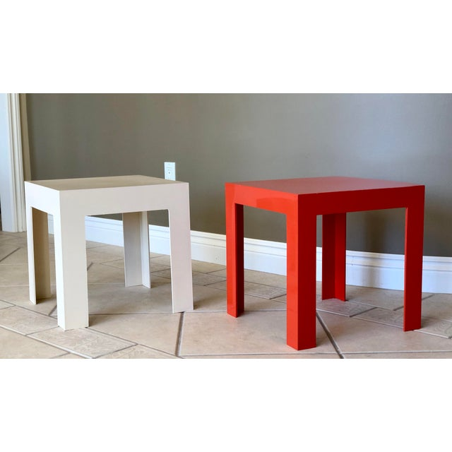 1970s Modern Parsons Fiberglass Red and White Side Tables – a Pair For Sale In Detroit - Image 6 of 6