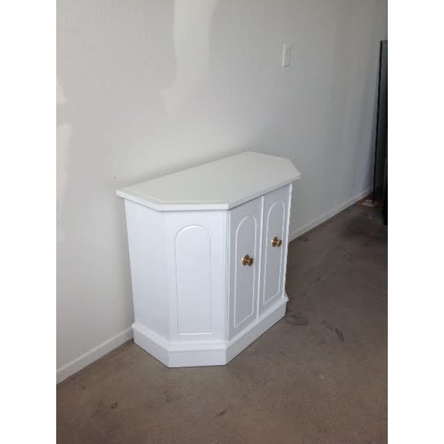 Contemporary White Hollywood Regency Style Cabinet For Sale - Image 3 of 6