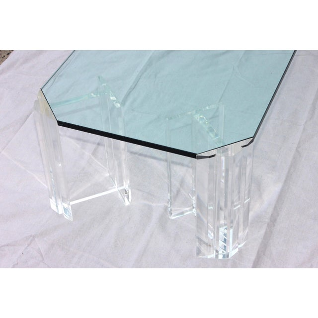 1970s Modern Lucite Coffee Table For Sale In New York - Image 6 of 9