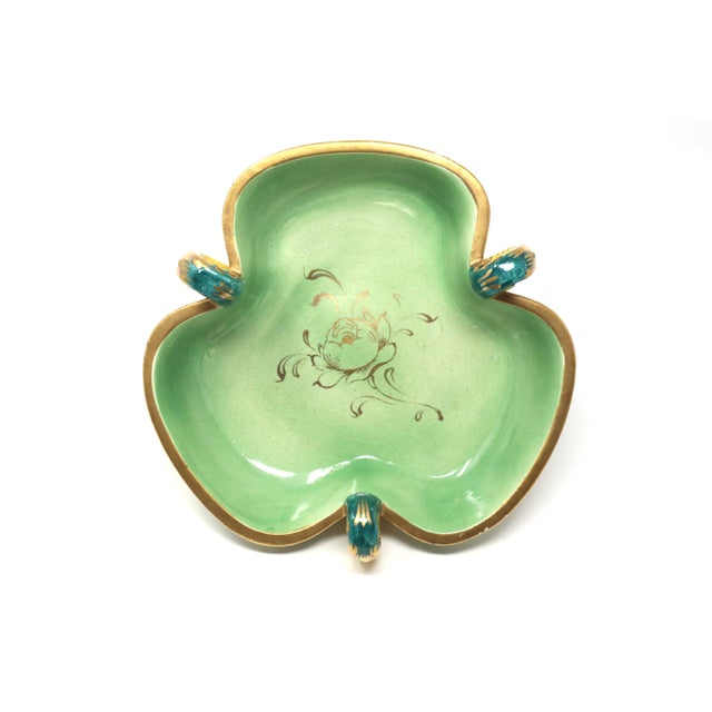 Hollywood Regency Vintage Italian Capodimonte Clover-Shaped Footed Bowl For Sale - Image 3 of 13