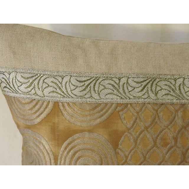 Traditional Contemporary Metallic & Linen Fortuny Pillow For Sale - Image 3 of 4