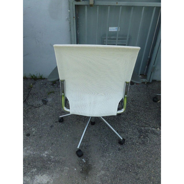 Vitra Vitra Albert Meda Mesh Back and Leather Seat Chair For Sale - Image 4 of 6
