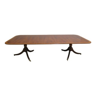 1980s English Traditional Trosby Banded Yew Wood Mahogany Dining Room Table For Sale