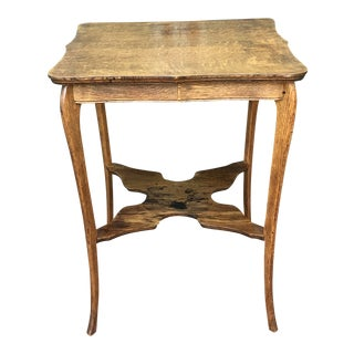 Vintage Early American Oak End Table For Sale