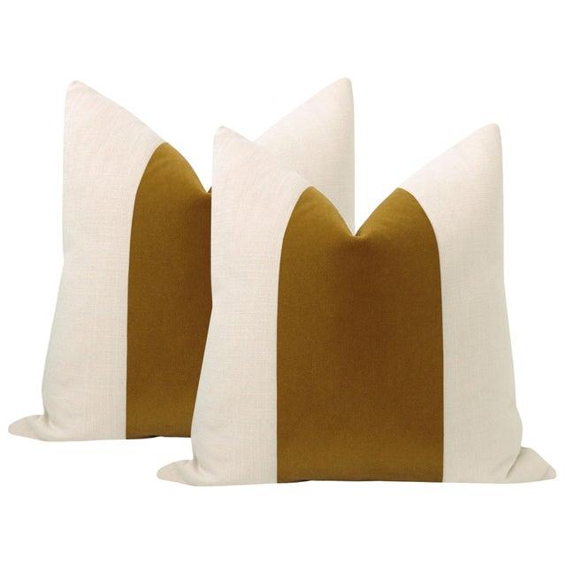"22"" Tobacco Mohair Velvet Panel & Linen Pillows - a Pair For Sale - Image 6 of 6"