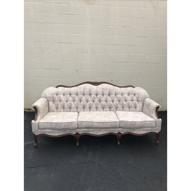 Beautiful queen anne style sofa in perfect condition. It has original upholstery and two small pillows that go with it -...