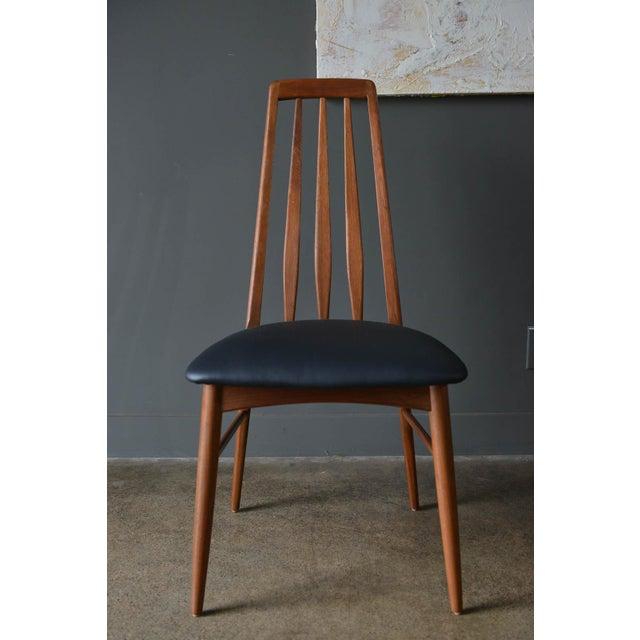 """Koefoeds Hornslet 1960s Vintage Koefoed of Denmark Walnut High Back """"Eva"""" Dining Chairs - Set of 8 For Sale - Image 4 of 12"""