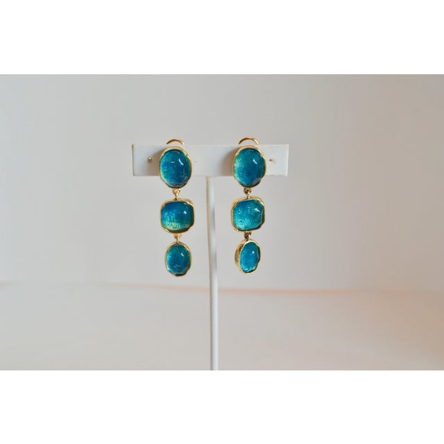 Contemporary Goossens Paris Triple Drop Tinted Rock Crystal Clip Earrings For Sale - Image 3 of 7
