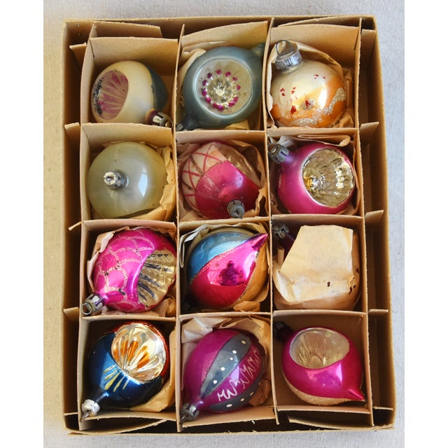 Adirondack Midcentury Fancy Christmas Tree Ornaments W/Box - Set of 12 For Sale - Image 3 of 9