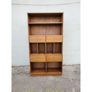 Mid Century Modern Paul McCobb Bookcase Preview