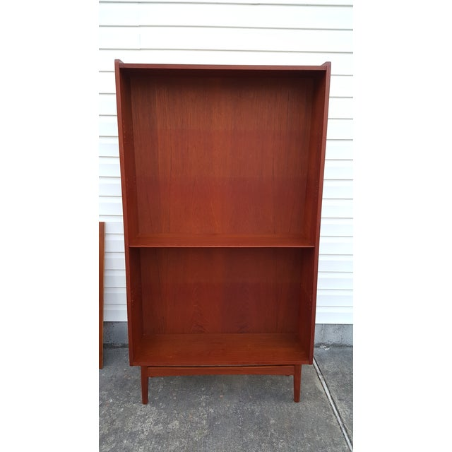 Brown 1960s Danish Modern Graduated Teak Bookcase Shelf For Sale - Image 8 of 12