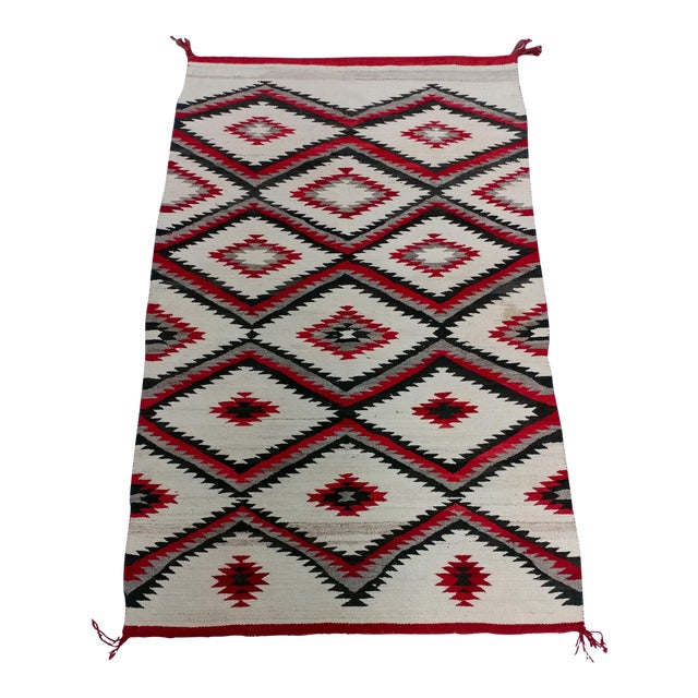 "Navajo Vintage Hand Woven Wool Rug - 4'6"" x 7'6"" For Sale"