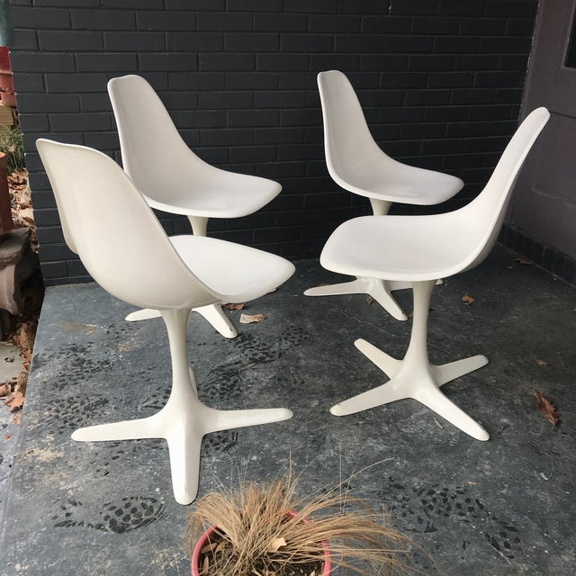 1960s Retro Burke White Tulip Fiberglass Chairs For Sale - Image 10 of 10