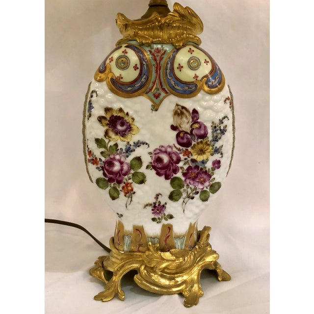 Asian Pair Antique Chinoiserie Porcelain Lamps (Possibly Samson) With Ormolu Mounts. For Sale - Image 3 of 4